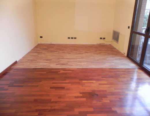 Lamatura parquet milano confortevole soggiorno nella casa for Verniciare parquet senza levigare