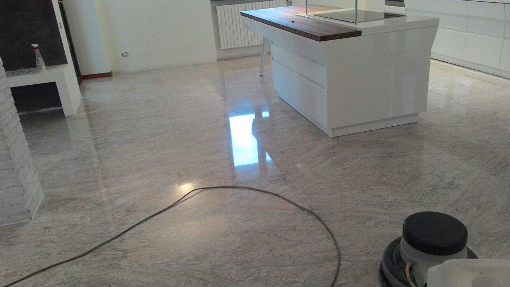Rivestimento bagno e cucina in marmo milano novalux - Rivestimento bagno marmo ...